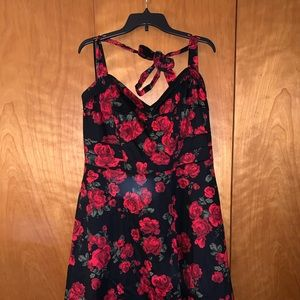 Hot Topic Rose dress with tulle size 20 pin up
